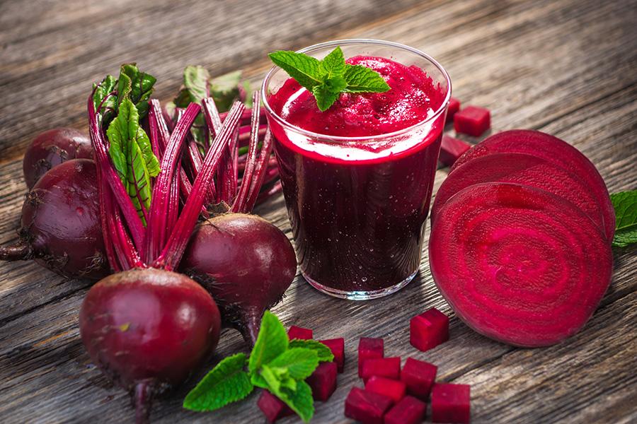 raw-recept-smoothie-z-červenej-repy