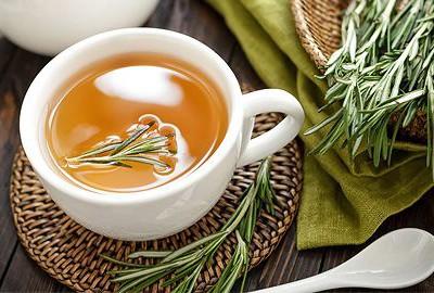 upokojujúci rozmarínový čaj