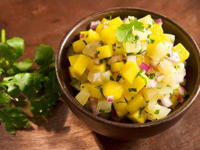 diety-a-chudnutie-ananásovo-mangová-salsa